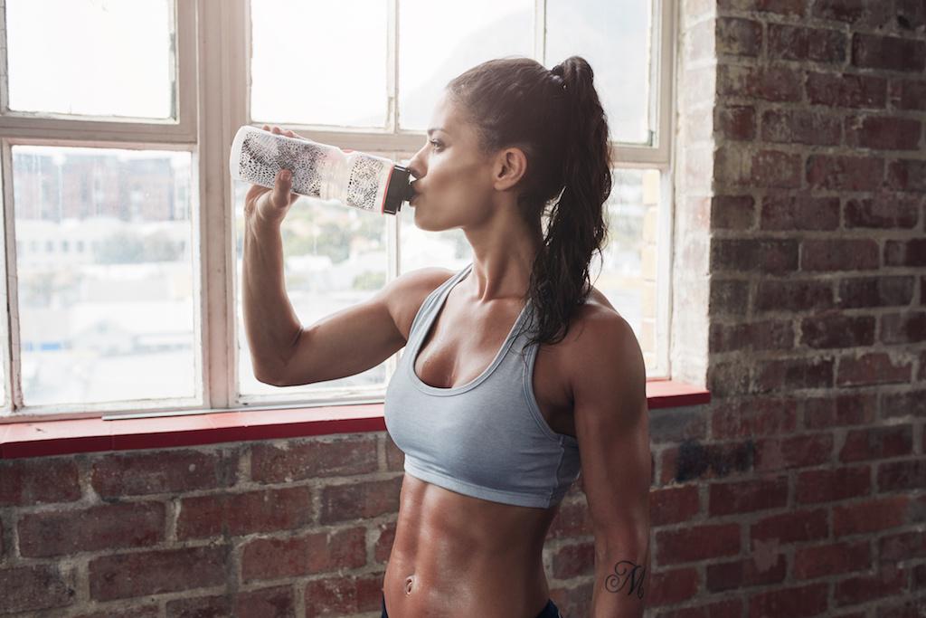 トレーニング後の女性