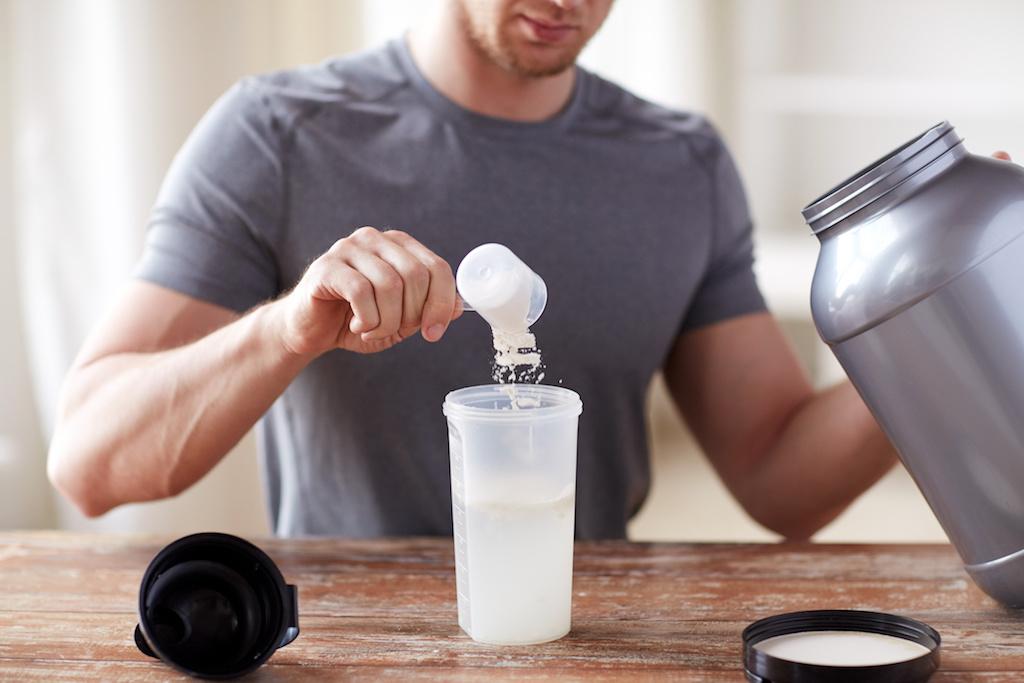 プロテインで太る理由が判明!正しい摂取方法と飲むタイミングを紹介